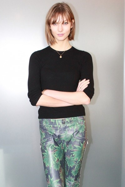 Look of the Day: Karlie Kloss in Palm Tree Printed Jeans
